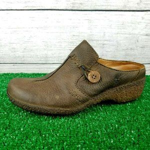 Timberland Mules w/Button Slip on Leather shoes …
